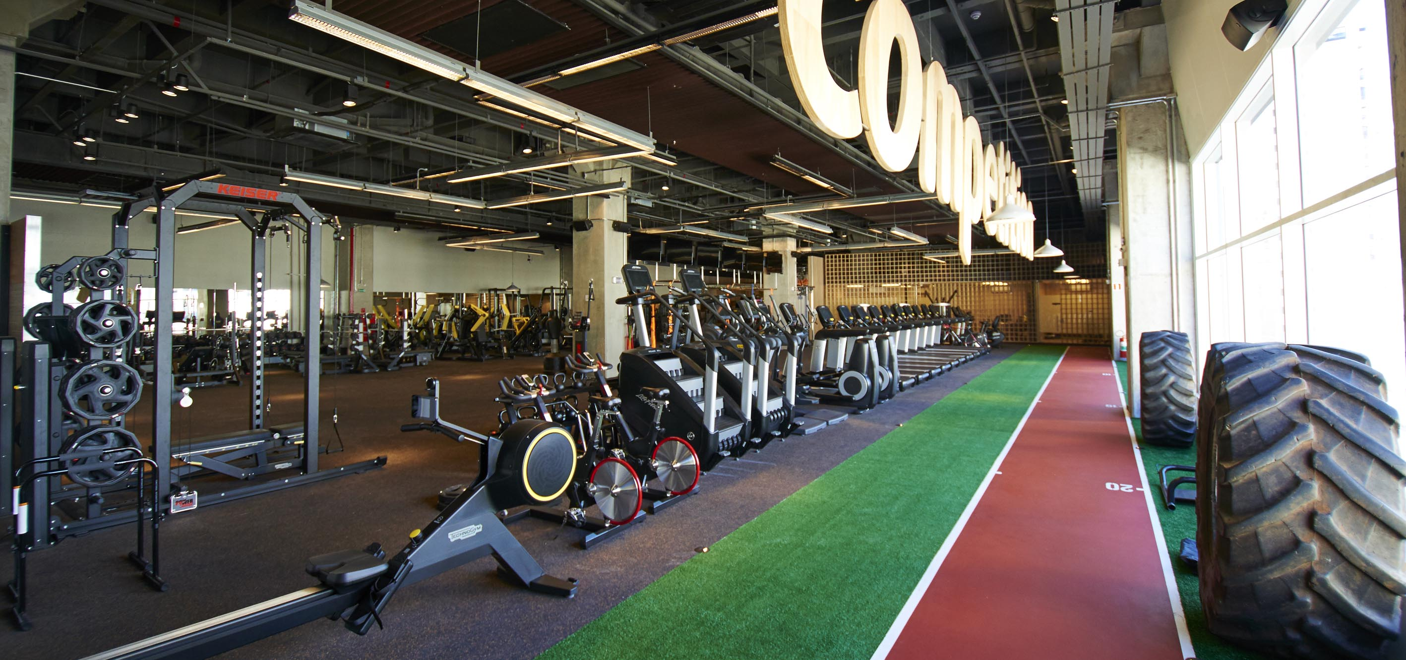 COMPETITION TRAINING GYM
